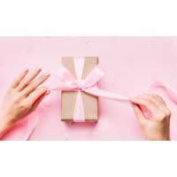Naturalne kosmetyki na prezent dla żony, mamy czy dziewczyny? Polecamy!